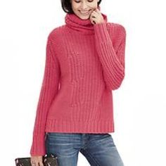 2 Days Left!Pink Banana Republic Sweater This comfy & cozy sweater is in excellent condition with just a few tiny little gaps in the knitting as seen in the cover photo. Brand new with tags! 45% acrylic 35% merino wool 20% alpaca Banana Republic Sweaters Cowl & Turtlenecks