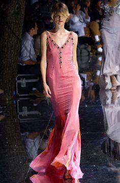 lelaid:  Stella Tennant atDolce & Gabbana S/S 2004