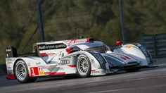 Video: Audi R18 E-Tron Quattro - High-speed Fly-bys with Audi's ...