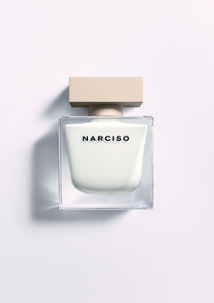 Parfums hebben een kleur: Narciso & Clinique Aromatics In White http://cafecosmetique.com/narciso/