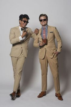 What to Wear to a Spring/Summer Wedding : No Particular Dress Code Why Cant My Boys Dress Like This Khaki Suits, Brown Suits, Summer Wedding Suits, Summer Suits, Summer Weddings, Sharp Dressed Man, Gentleman Style, Men Looks, Swagg