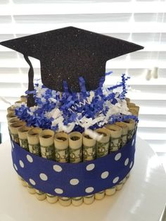 Graduation Gifts Discover DIY (Do It Yourself) Money Cake Gift for Graduation Fathers Day Baby Shower Wedding Birthday DIY Do It Yourself Money Cake Gift for Graduation Diy Graduation Gifts, Graduation Party Themes, Graduation Decorations, Graduation Ideas, Grad Parties, Money Birthday Cake, Money Cake, Baby Birthday, Creative Money Gifts
