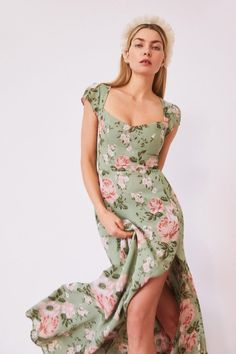 Summer Formal Dresses, Spring Dresses, Casual Dresses, Fashion Dresses, Red Sweater Dress, Fancy Gowns, Looks Vintage, Fashion Fabric, Pretty Dresses