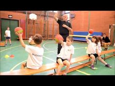Labdaügyesség fejlesztés első osztályosok részére. Gym Games For Kids, Kids Gym, Activities For Kids, Glutes, Drill, Basketball Court, Teaching, Tv, Youtube