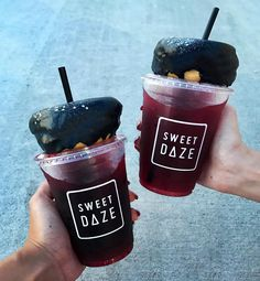 Find images and videos about drink, donuts and sweet daze on We Heart It - the app to get lost in what you love. Milk Shakes, Yummy Drinks, Yummy Food, Dessert Restaurants, Tumblr Food, Food Goals, Japanese Sweets, Aesthetic Food, Cute Food
