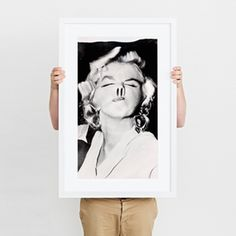 Curater - Subscribe to the world's best art. Curater is the cloud based frame that gives your home a direct link to the art world.