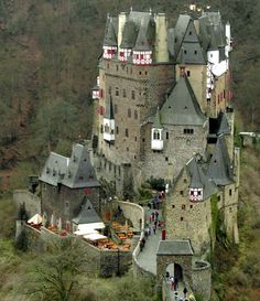 Medieval Castles | Everyone that see such a construction get a sense of beauty and ...