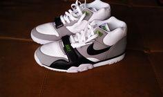 Nike-Air-Trainer-1-Premium-Chlorophyll-2012-
