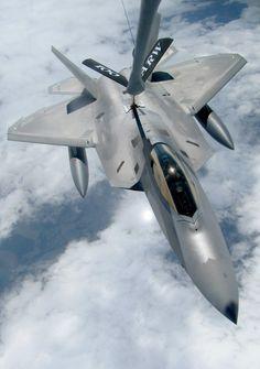 f-22 raptor mid-air refuel