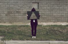 Dans la lignée du travail Camouflage par Liu Bolin, voici les posters et la série de photographies intitulé « Transparency » par l'artiste K...