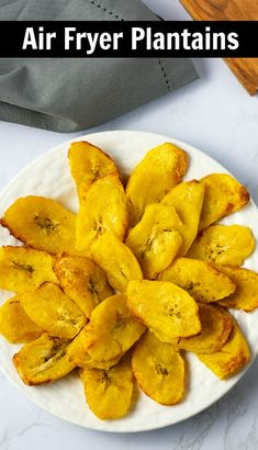 Prepare Air Fryer Plantains and cut back on the calories that are in traditional fried plantain. Sweet, plump and delicious plantains slices are the perfect low-calorie side dish or snack. What Are Plantains? Air Fryer Recipes Vegan, Air Frier Recipes, Air Fryer Dinner Recipes, Vegetarian Recipes, Cooking Recipes, Fried Plantain Recipe, Plantain Recipes, Healthy Protein Snacks, Healthy Shakes