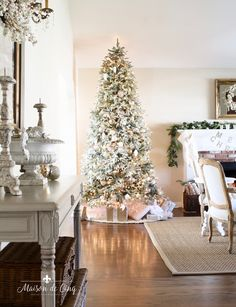 romantic christmas living room gorgeous french country style with flocked tree French Country Christmas, French Country Cottage, French Country Decorating, French Farmhouse, Country Style, Farmhouse Style, Christmas Mantels, Christmas Home, White Christmas