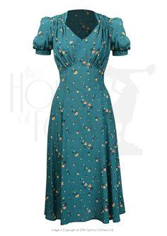 House of Foxy: Tea Dress i grøn 1940s Fashion Dresses, 1940s Dresses, Vintage Style Dresses, Vintage Outfits, Vintage Fashion, Vintage Dior, Vintage Dress, Winter Dresses, Day Dresses
