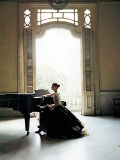 What a fabulous piano room - I bet those acoustics are incredible!