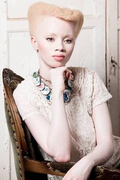 a beautiful and unique bride with albinism, she looks so pretty Afro Punk, My Hairstyle, Afro Hairstyles, Hair Updo, My Black Is Beautiful, Beautiful People, Simply Beautiful, Hey Gorgeous, Naturally Beautiful