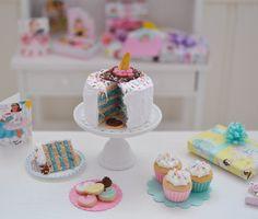 Sweet Petite Play Scale Birthday Cake Set