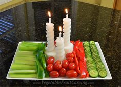vegetable candles in vegetable tray Fun Food, Food Art, Good Food, Fruits And Vegetables, Veggies, Fruit And Vegetable Carving, Edible Arrangements, Decorating Tools, Food Pictures