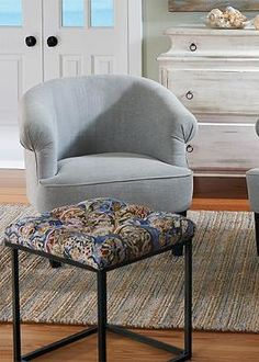 The perfect place to prop up your feet up or an impromptu seat, the  Brant Tufted Ottoman is the perfect addition to your casual seating area.