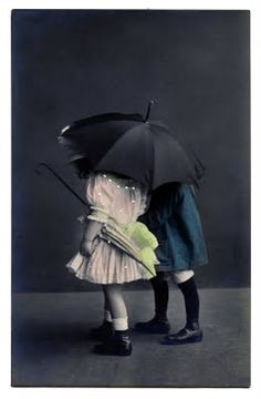 Vintage Clip Art - Sweet Children with Umbrella - The Graphics Fairy