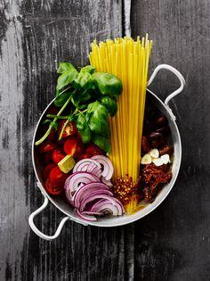 Maailman helpoin pasta on amerikkalaisen kotitalouskuningatar Martha Stewardin kehittämä yhden kattilan pasta.