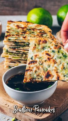Onion Recipes, Indian Food Recipes, Whole Food Recipes, Cooking Recipes, Recipes With Chives, Recipes With Green Onions, Vegan Recipes Videos, Chinese Recipes, Quick Easy Meals