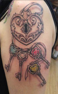Key lock tattoos to close cycles - Key lock tattoos to close cycles - Mommy Tattoos, Girly Tattoos, Unique Tattoos, Cool Tattoos, Heart Lock Tattoo, Lock Key Tattoos, Tattoo Key, Tattoos Skull, Feather Tattoos