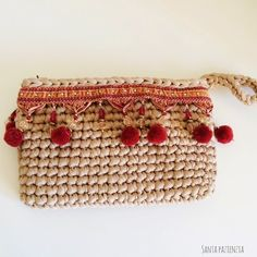 Boho-Chic Clutch with lining Crochet Clutch, Crochet Handbags, Crochet Purses, Knit Crochet, Crochet Bags, Beginner Knitting Projects, Knitting For Beginners, Crochet Projects, Handmade Handbags