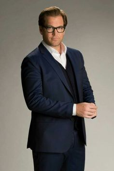 It's a cross between Michael Weatherly and Colin Firth. I just drooled on my keyboard!