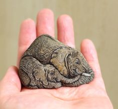 I Bring Stones To Life By Painting The Living Spirit Of The Being I Feel Inside The Stone (New Pics) Rock Painting Patterns, Rock Painting Ideas Easy, Rock Painting Designs, Pebble Painting, Pebble Art, Stone Painting, Baby Painting, Painted Rock Animals, Hand Painted Rocks