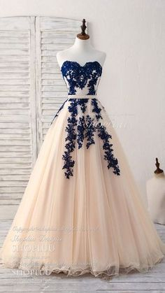 Elegant sweetheart tulle lace applique blue long prom dresses blue lace applique tulle bridesmaid dress formal dress longpromdressesandmore 34 spring outfits to update you wardrobe today Cute Prom Dresses, Trendy Dresses, Dance Dresses, Ball Dresses, Elegant Dresses, Homecoming Dresses, Quinceanera Dresses, Ball Gowns, Fashion Dresses