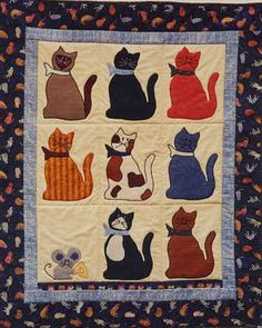 Print Cat Quilt Patterns - like quilt with little mouse (rat) included : ) Cat Quilt Patterns, Applique Patterns, Loom Patterns, Dog Quilts, Animal Quilts, Cat Applique, Applique Quilts, Quilting Projects, Quilting Designs