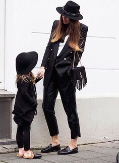 look mãe e filha all black
