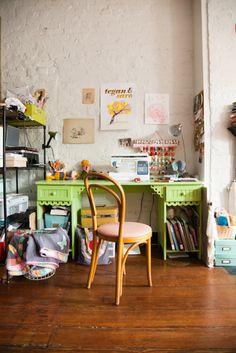 Entre texturas y estampados: rincón de costura | Decorar tu casa es facilisimo.com