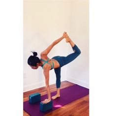 The final sequence featuring Revolved Sugarcane as a peak pose. Enjoy!  #detailanddepth #ardhachandrachapasana #sugarcanepose #halfmoon #chapasana #ardhachandrasana #yoga #yogaprops #yogavideo #yogasequence #alignmentyoga #practiceandalliscoming #practicedaily #yogapractice #iyengaryoga #iyengar #yogaforeverybody #fitfluential #instayoga #yogagram #silverlake
