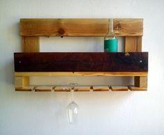 Police na víno z palety a recyklovaného dřeva