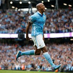 fans, amazing support and a great team performance, I call that a good day. Manchester City Wallpaper, Vincent Kompany, Great Team, Love Him, Chelsea, Soccer, Passion, Running, Celebrities
