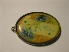 Pendant Cabochon Mother Heavy Brass colored Metal Peridot Oval Engraved Flowers