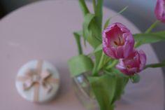 #chalkpaint #shabbychic #anniesloan #diy #painted #furniture #flowers  www.facebook.com/2ndhomefurnishings/ Annie Sloan, Chalk Paint, Home Furnishings, Painted Furniture, Shabby Chic, Facebook, Flowers, Plants, Diy