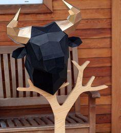 Chers amis! Vous avez l'option d'achat PDF scan polygonale bull tête trophée. Modélisation polygonale vous permet de créer une décoration unique, amusant de passer du temps avec vos amis et famille et de recevoir beaucoup d'émotions positives. Modèle Collect est simple: la mise en
