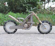 Motos miniatura por Dan Tanenbaum
