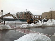Cleanup from #Blizzard2013 continues at #BostonCollege