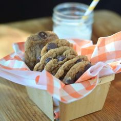 GF flourless choc chip cookies