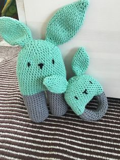 Crocheted two-legged baby rattle - free pattern from lanukas. The round rattle pattern I made up on my own