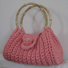 Sac à main au crochet rose anse bambou                                                                                                                                                                                 Plus