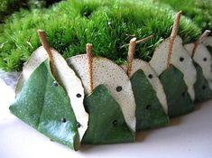 Taart maken gevuld met Ornithogalum - bladapplicatie met Eleagnus - Maken van een creatief en modern bloemstuk