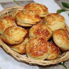 Pravé domácí neodolatelné česnekové pagáče recept – iRecept Pretzel Bites, Biscuits, Food And Drink, Appetizers, Cooking Recipes, Bread, Baking, Breakfast, Party