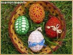 """Képtalálat a következőre: """"tojás horgolási minták"""" Christmas Bulbs, Holiday Decor, Blog, Home Decor, Crocheting, Crochet, Decoration Home, Christmas Light Bulbs, Room Decor"""