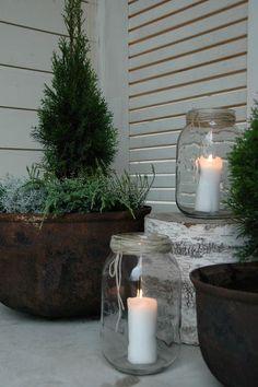 Imagem relacionada - Home - Drs Backyard Garden Design, Backyard Projects, Balcony Garden, Garden Pots, Coral Front Doors, Small Balcony Decor, Balcony Design, Cozy Patio, Pin On