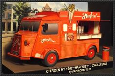 This vehicle paper model is a Citroën HY 1962 Manfriet, created by papercrafts.it, and the scale of the model is in 1:35.