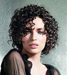 Tagli capelli medi ricci